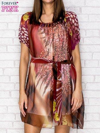 Patchworkowa sukienka mgiełka z paskiem i błyszczącą aplikacją                                  zdj.                                  1