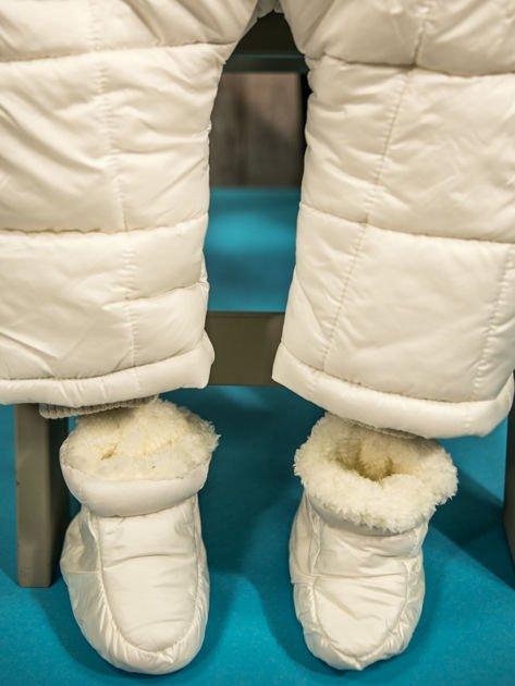 Pikowany zimowy kombinezon dziecięcy biały                              zdj.                              9