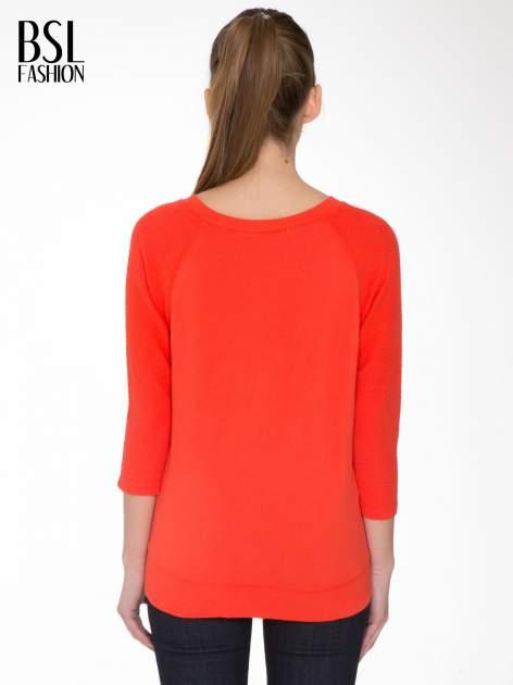 Pomarańczowa bluza oversize z łączonych materiałów                                  zdj.                                  4