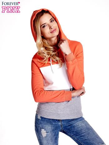 Pomarańczowa bluza z kapturem z białym i szarym wykończeniem