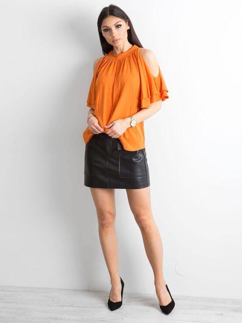 Pomarańczowa bluzka z wycięciami na ramionach                              zdj.                              4