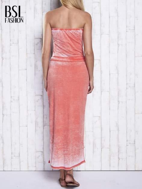 Pomarańczowa dekatyzowana sukienka maxi na gumkę                                  zdj.                                  2