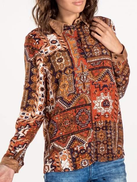 Pomarańczowa koszula we wzór etno z brązowym kołnierzykiem i mankietami                                  zdj.                                  6