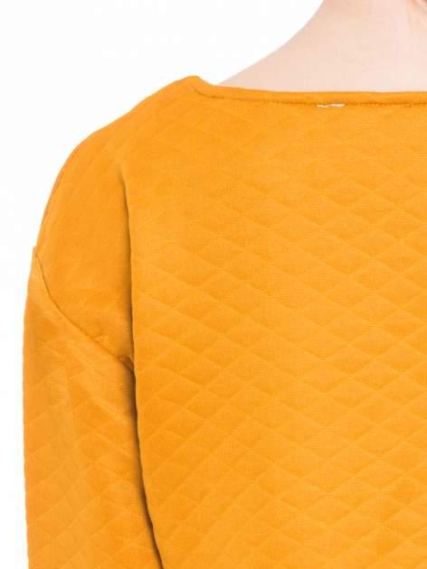 Pomarańczowa pikowana bluzka cropped                                  zdj.                                  7