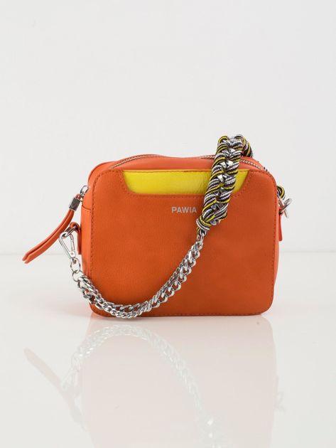 Pomarańczowa torebka z ekoskóry z ozdobnym uchwytem