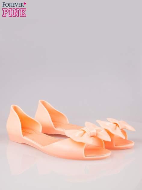 Pomarańczowe gumowe baleriny peep toe z kokardą                                  zdj.                                  2