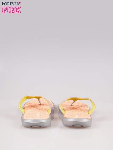 Pomarańczowe gumowe japonki z wzorem                                  zdj.                                  3