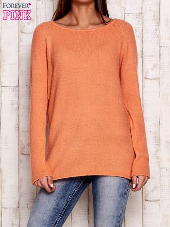 Pomarańczowy dzianinowy sweter