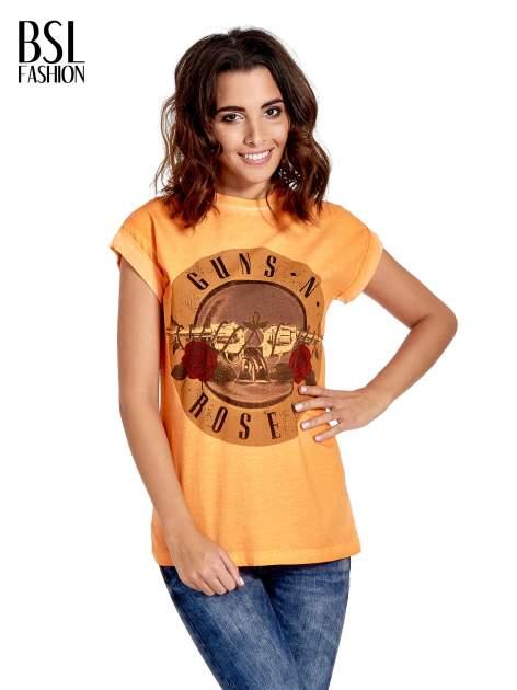 Pomarańczowy t-shirt z nadrukiem GUNS N' ROSES                                  zdj.                                  1