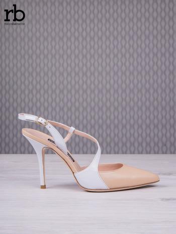 ROCCOBAROCCO Beżowo białe sandałki grain leather z asymetrycznym zapięciem                                  zdj.                                  2