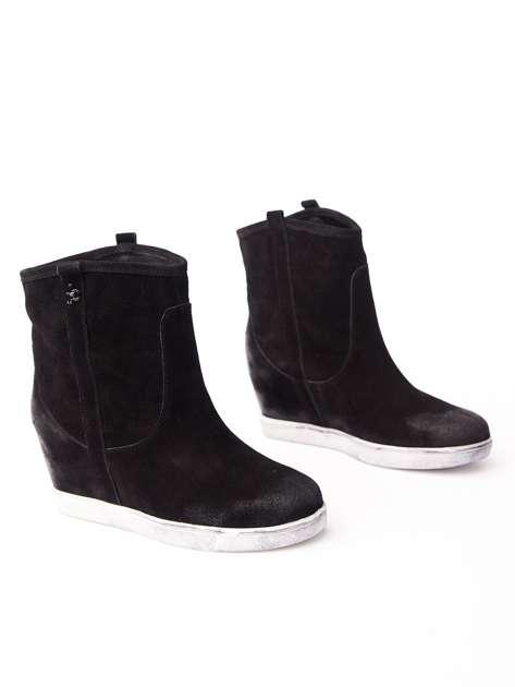 ROCCOBAROCCO Czarne cieniowane botki chamois leather na koturnie                                  zdj.                                  2