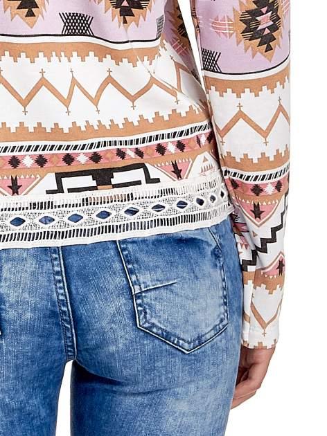 Różowa bluza w azteckie wzory z gipiurą                                  zdj.                                  6