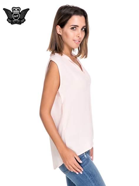 Różowa bluzka koszulowa z dekoltem V-neck                                  zdj.                                  3