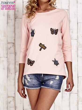 Różowa bluzka z aplikacją owadów                                  zdj.                                  1