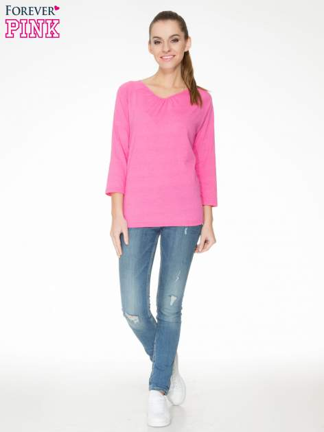 Różowa bluzka z marszczonym dekoltem i rękawkami 3/4                                  zdj.                                  2