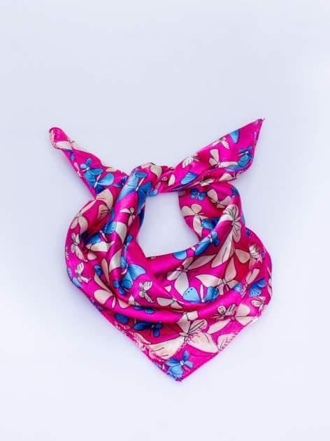 Różowa chusta apaszka w motyle                                  zdj.                                  1