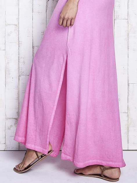 Różowa dekatyzowana sukienka maxi z cekinowym kwiatem                                  zdj.                                  6