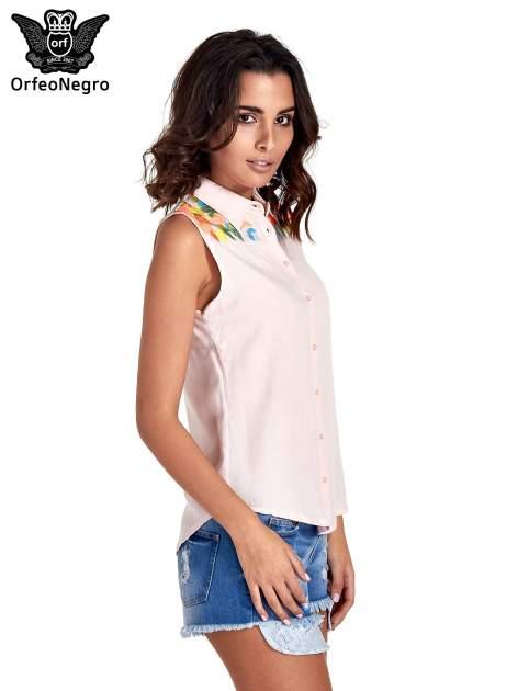 Różowa koszula bez rękawów z roślinnym haftem na górze                                  zdj.                                  3