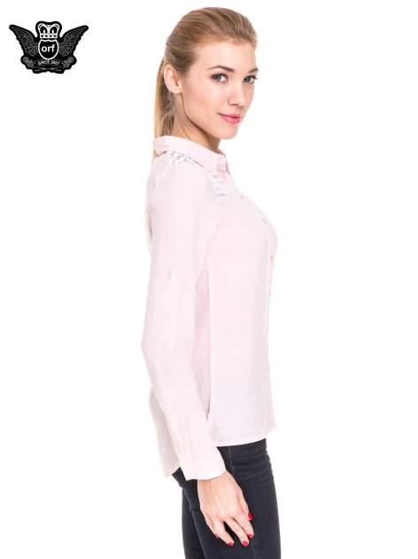 Różowa koszula damska z koronkową górą                                  zdj.                                  3