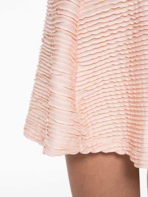 Różowa mini spódnica skater z fakturą                                  zdj.                                  7