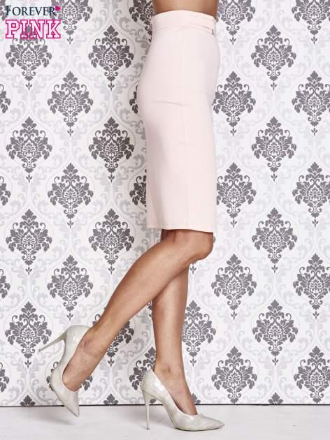 Różowa ołówkowa spódnica w stylu glam                                  zdj.                                  3