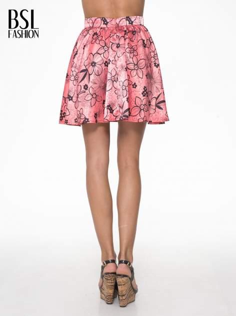 Różowa rozkloszowana spódnica skater w kwiaty                                  zdj.                                  4