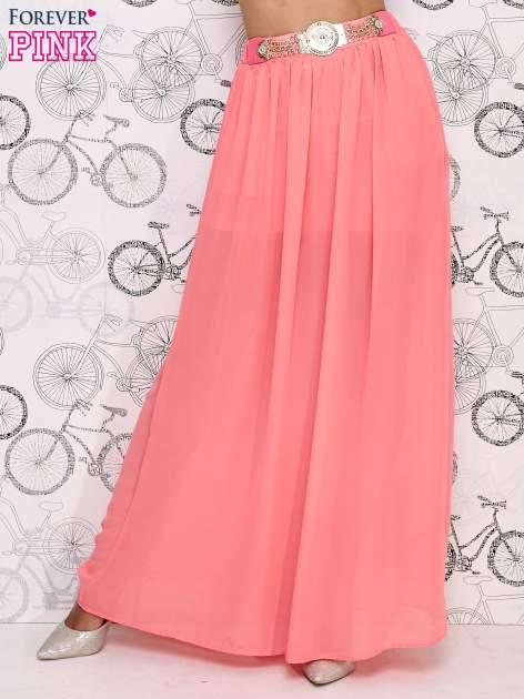Różowa spódnica maxi ze złotym zapinannym paskiem                                  zdj.                                  1