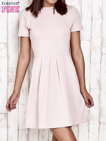 Różowa sukienka dresowa wiązana na kokardę z tyłu                                  zdj.                                  1