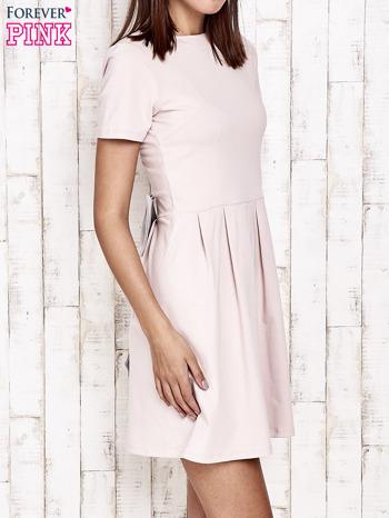 Różowa sukienka dresowa wiązana na kokardę z tyłu                                  zdj.                                  3