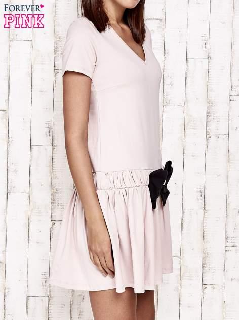 Różowa sukienka dresowa z kokardą z przodu                                  zdj.                                  3