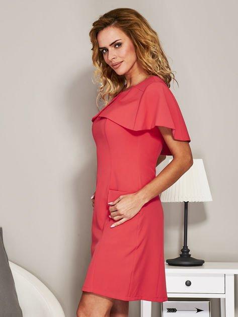Różowa sukienka koktajlowa z narzutką                               zdj.                              5