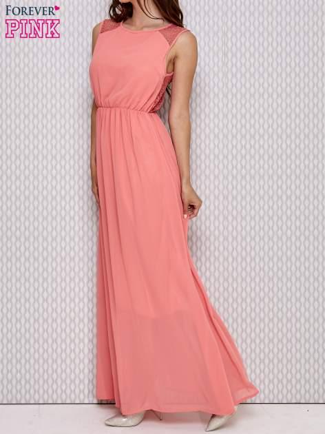 Różowa sukienka maxi z koronkowym tyłem                                  zdj.                                  3