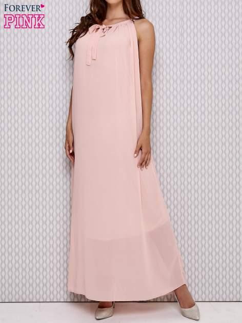 Różowa sukienka maxi z wiązaniem przy dekolcie                                  zdj.                                  1
