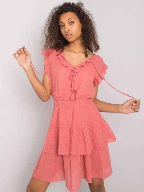 Różowa sukienka z falbanami Melbina OCH BELLA