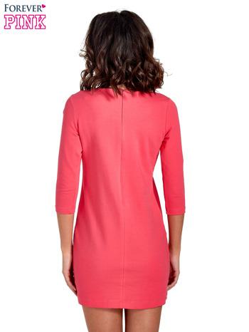 Różowa sukienka ze złotymi suwakami                                  zdj.                                  4