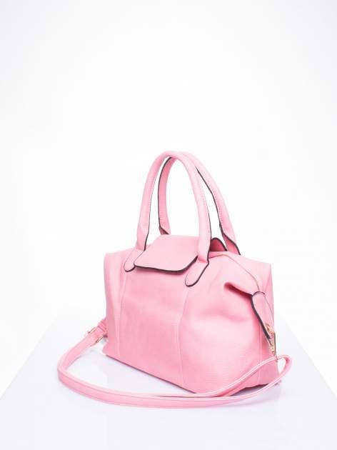Różowa torba z klapką i odpinanym paskiem                                  zdj.                                  2