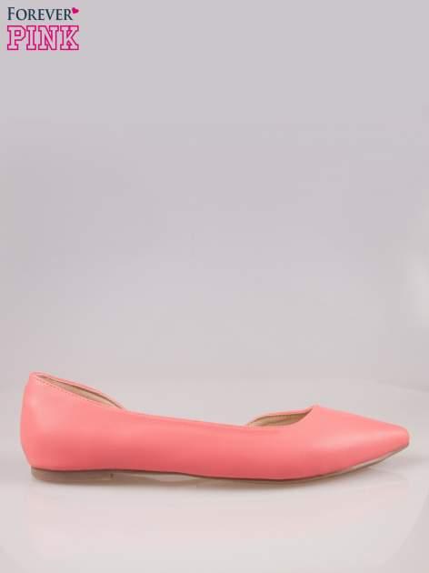 Różowe baleriny w szpic z wycięciem z boku