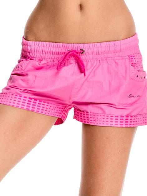 Rózowe damskie szorty sportowe wiązane w pasie