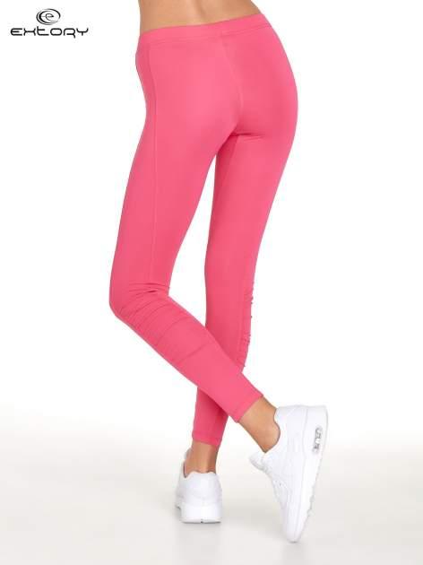 Różowe legginsy sportowe termalne z drapowaniem                                  zdj.                                  3