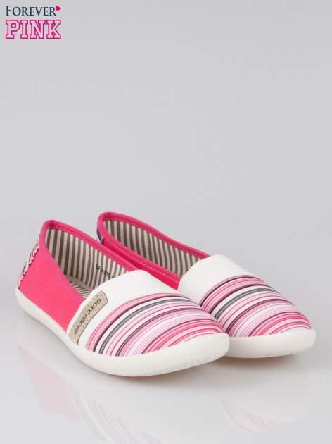 Różowe pasiaste buty slip on                                  zdj.                                  2