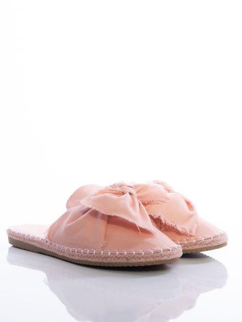 Różowe płócienne klapki z kokardą na przodzie                              zdj.                              2