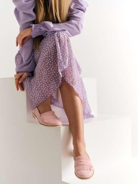 Różowe zamszowe marmurkowe lordsy z frędzelkami z przodu buta