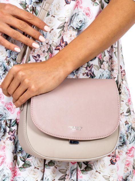 Różowo-beżowa torebka listonoszka ze skóry ekologicznej                              zdj.                              2