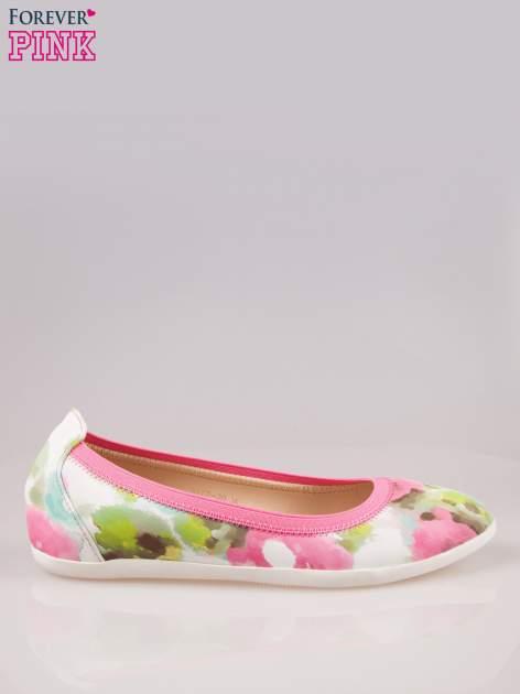 Różowo-białe kwiatowe baleriny na gumkę