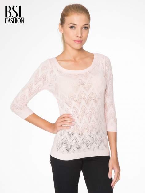 Różowy ażurowy sweterek z rękawem 3/4                                  zdj.                                  1