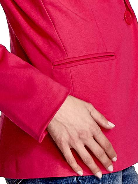 Różowy bawełniany żakiet damski na jeden guzik                                  zdj.                                  5