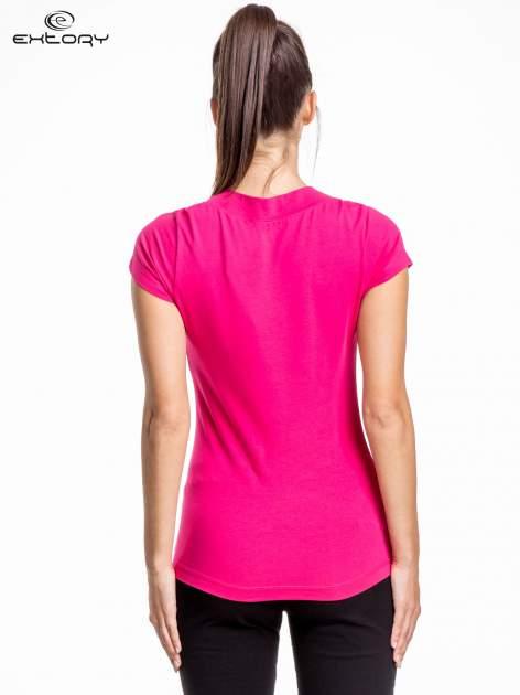 Rózowy damski t-shirt sportowy z marszczonym dekoltem                                  zdj.                                  4