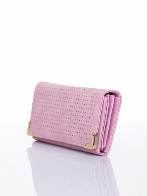 Różowy dziurkowany portfel ze złotym wykończeniem                                  zdj.                                  3
