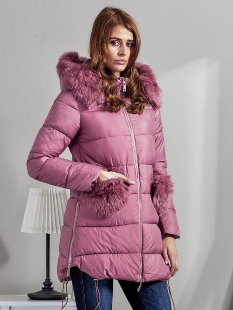 Różowy płaszcz z futrzanymi kieszeniami                              zdj.                              5