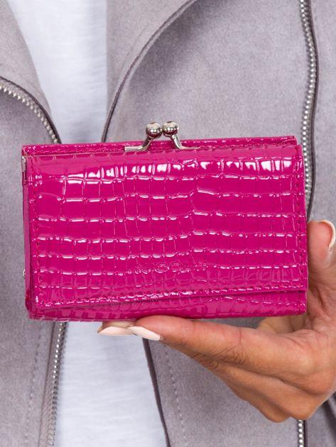 Różowy portfel z biglem